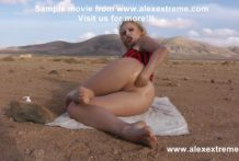 Kinky Niky self anal fisting and prolapse at the rocky desert